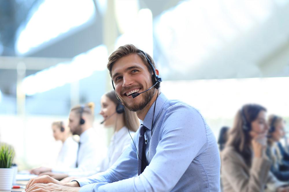 Mitarbeiter bei der IP-Telefonie